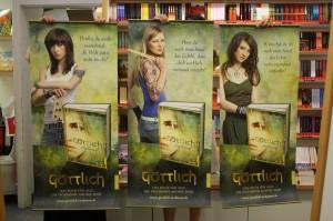 Drei Plakate Dressler Verlag