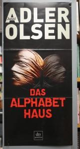 Adler-Olsen, das Alphabethaus